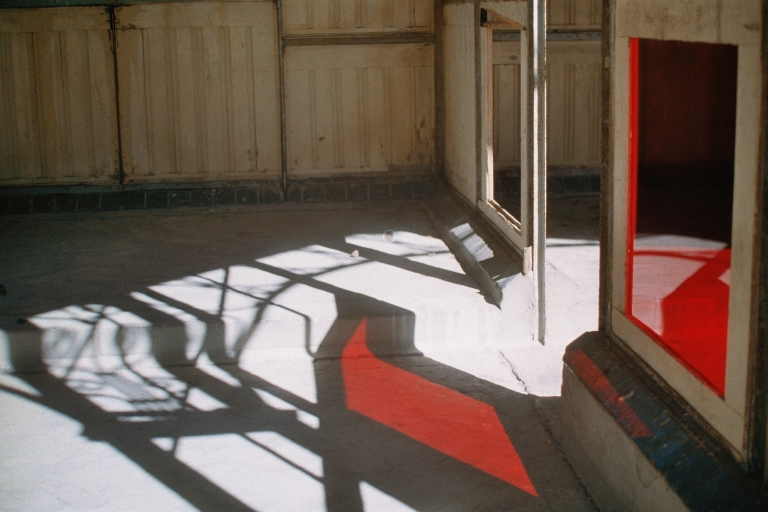 18 Paviljoen, 2004 (1) analoge foto